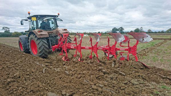 CLAAS Tractor Unico Plough